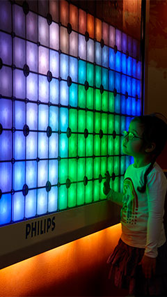 A child is with Imagination Light Canvas by Philips Lighting