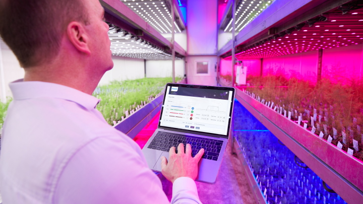 GrowWise Control System for vertical farming lighting