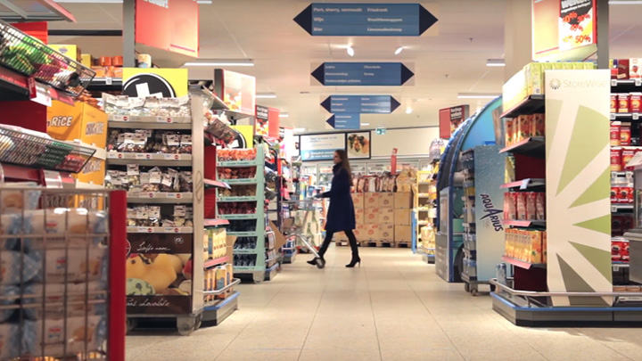 Smart supermarket lighting - Energy-efficient luminaries with centralized controls and software apps